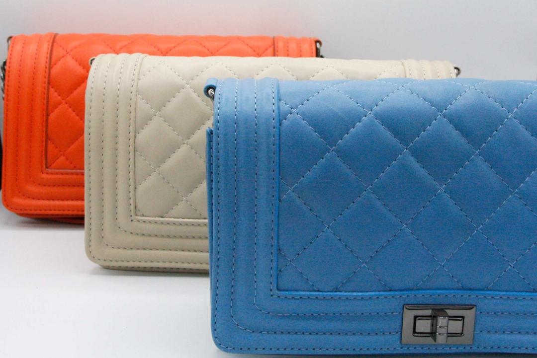 bolso rectangular acolchado