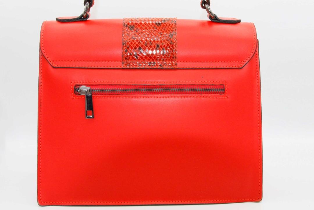 bolso rojo animal print